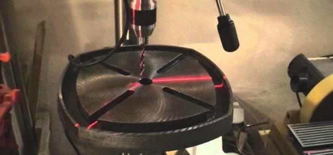Лазерный указатель на сверлильном станке
