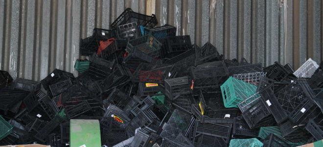 Лом пластиковых ящиков
