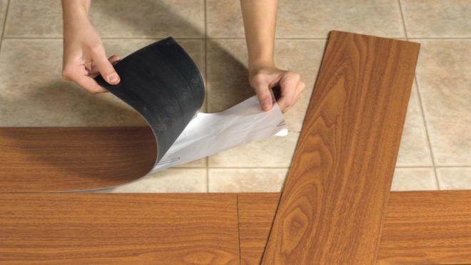 Самоклеящееся покрытие плитки ПВХ