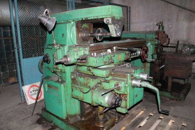 Станок консольно-фрезерный 6Р82 1978 года производства