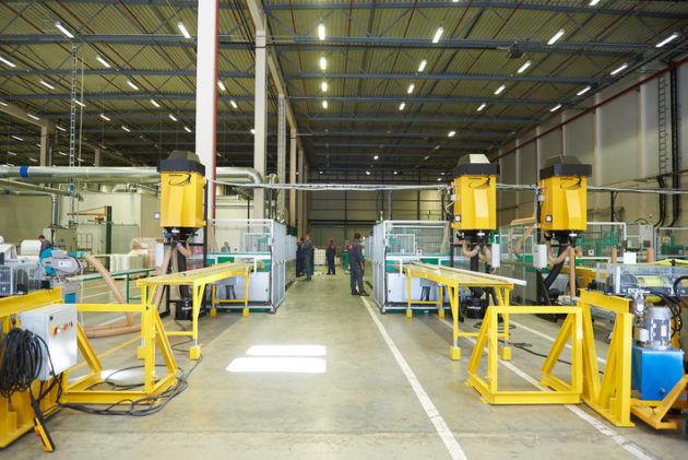 Сырьевая база и производственное помещение