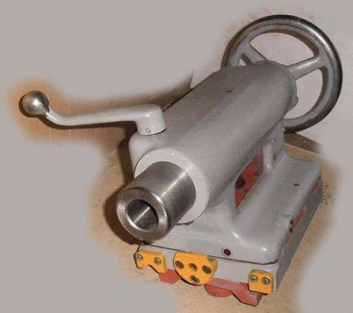 Задняя бабка токарно-винторезного станка ЛТ-10