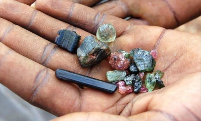Добытые драгоценные камни
