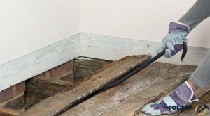 Старый деревянный пол нужно обязательно демонтировать