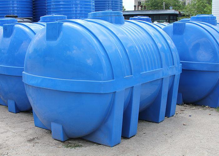 Пластиковые емкости для дозирования воды