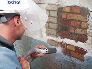Цена на пескоструйную обработку зависит от метода очистки кирпича