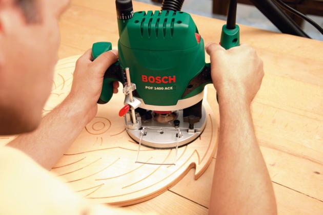 С вертикальной фрезерной машиной POF 1400 ACE можно выполнять даже сложные фрезерные работы