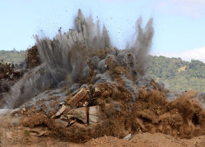 Взрывные земляные работы